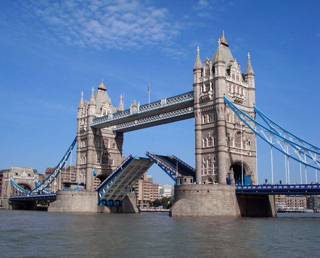 kv-communications-tower-bridge
